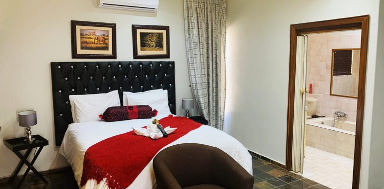 the-catwalk-lodge-deluxe-suite